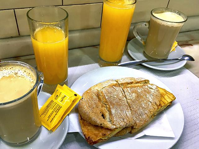 Galao, Toastada, Sumo de laranja Lissabon