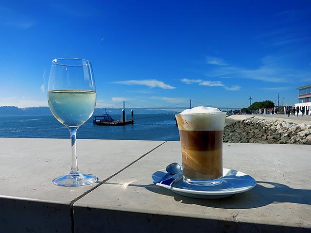 Vino Blanco Galao Lisboa Ponte