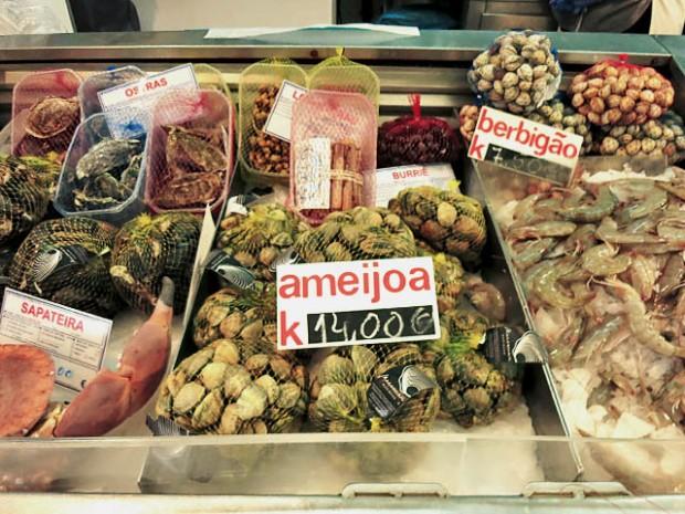 Muschen und Krebse Markt Lissabon