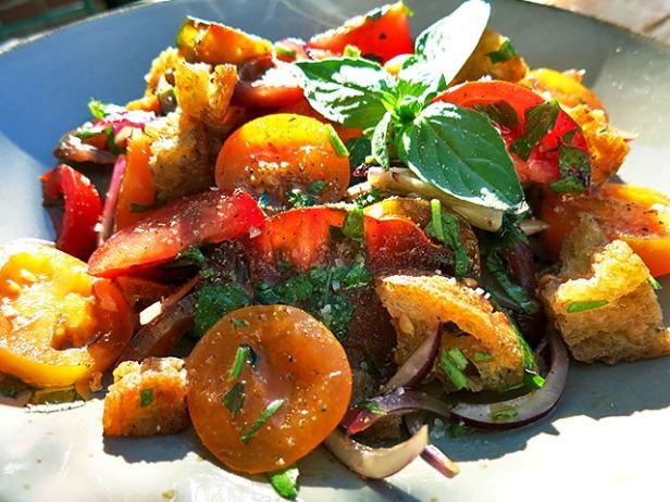Panzanella mit Tomatensorten