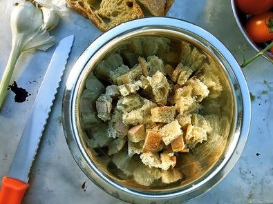 Brotwuerfel geschnitten