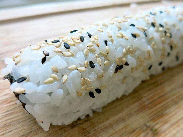 Handgerollte Inside Out Sushi