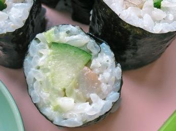 Maki Sushi mit Gurke Matjes glanzreis