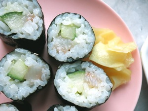 Maki Sushi mit Gurke Matjes DIY