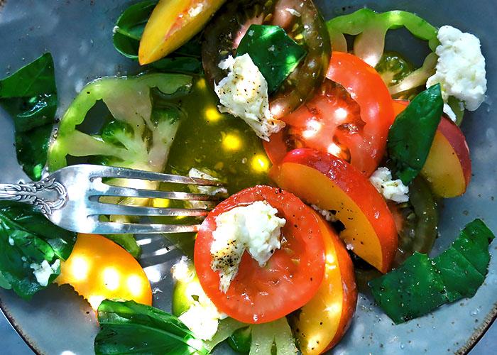 Tomaten mit Obst schmeckt