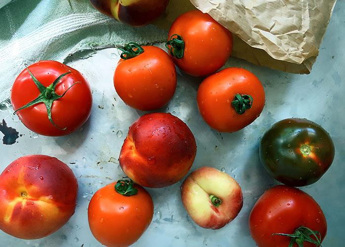 Tomaten Nektarinen Pfirsich vom Markt
