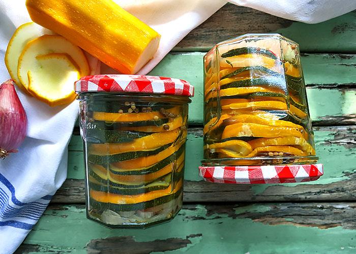 Zucchini suess sauer eingelegt