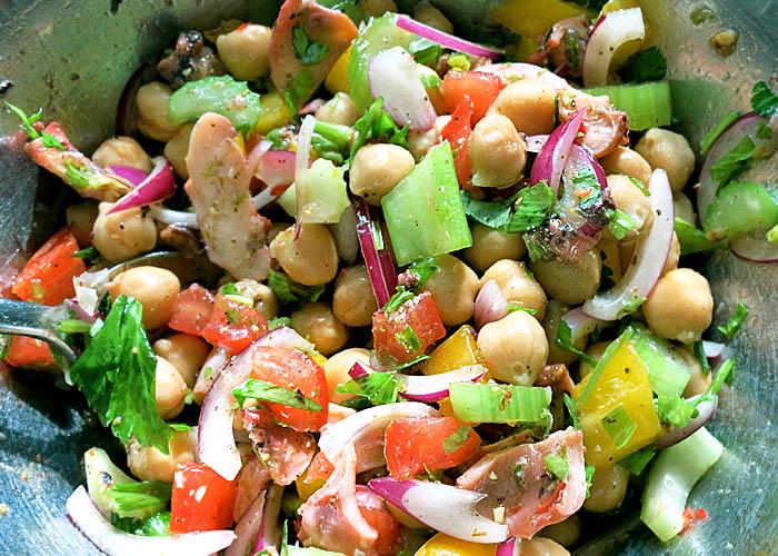 Konserven und Frisches: Pulpo Salat