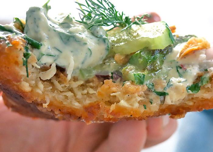 veganer Fischburger abgebissen