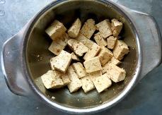 Tofu mariniert in Sojasauce