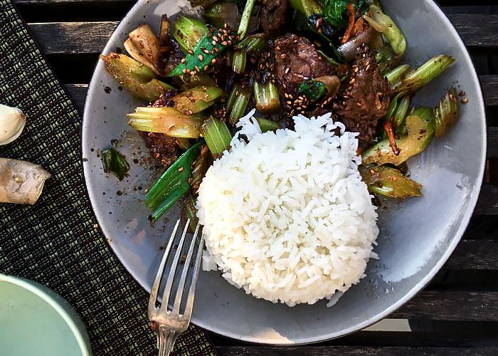 Tellergericht Beef Stir-fry mit Sellerie